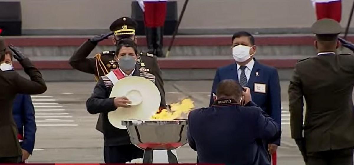 Pedro Castillo ofrece homenaje a víctimas de la pandemia
